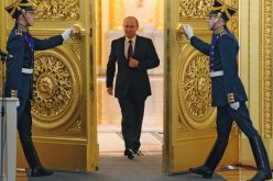"""Fost ambasador american: Putin sugerează că """"statul paralel"""" din SUA acționează împotriva lui Trump"""