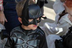 De ce copilul tău vrea un costum de Batman?