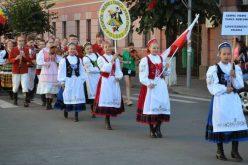 """Sute de artiști petrec la Cluj, în cadrul festivalului folcloric """"Szent István"""""""