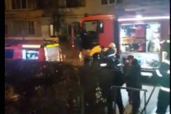 VIDEO | Nouă persoane evacuate dintr-un bloc din Cluj-Napoca din cauza unui incendiu