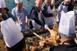 VIDEO: Emil Boc și ambasadorul Coreei de Sud au pregătit bibimbap, un preparat tradițional coreean