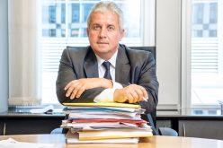 Europarlamentarul Daniel Buda, membru al Grupului PPE din PE: ''Premierul Viorica Dăncilă trebuie să își asume rușinea în care a afundat România din cauza respingerii nominalizării Rovanei Plumb în PE!''