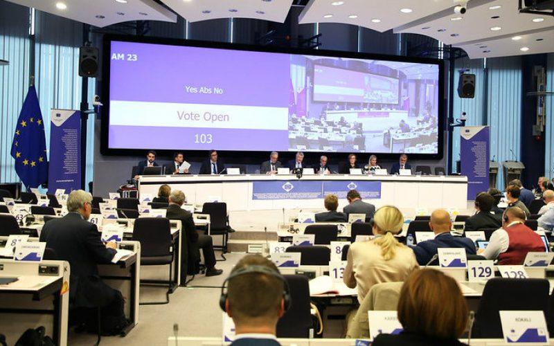 Românii știu prea puțin despre proiectele europene. Liderii locali propun dialoguri permanente cu cetățenii pentru a-i implica în luarea deciziilor legate de fondurile UE